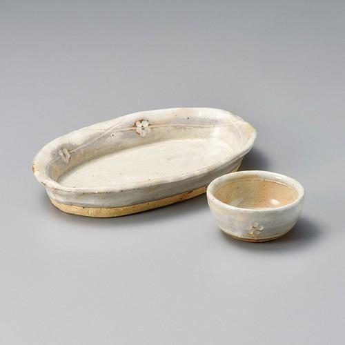 06612-180 手造り粉引華紋(土物)丸千代久|業務用食器カタログ陶里30号