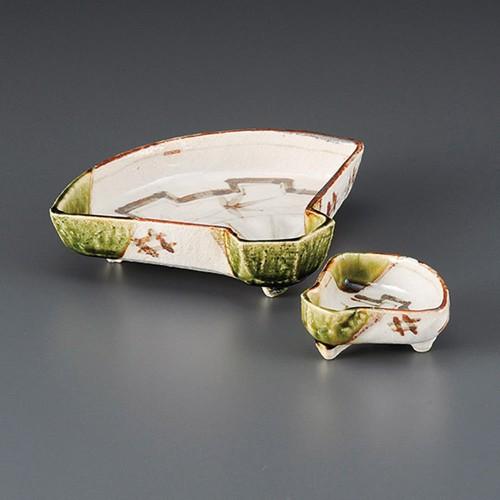 06702-120 織部扇面千代口|業務用食器カタログ陶里30号