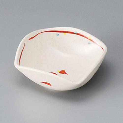 13027-050 芽生え四ツ山小鉢|業務用食器カタログ陶里30号