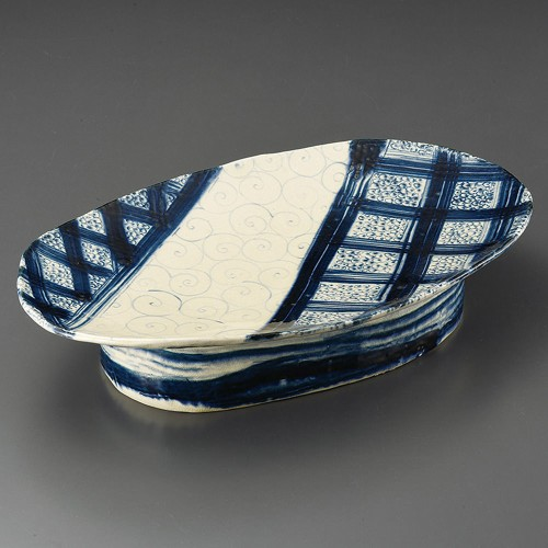 32401-180 安南七宝渦模様高台楕円盛込皿(手造り)|業務用食器カタログ陶里30号
