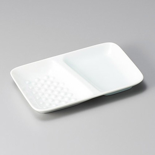 26418-450 青白磁エンボス仕切皿|業務用食器カタログ陶里30号